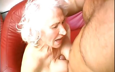 Granny loves to be throbbed hard just like encircling her old days