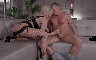 Wonderful and down in the mouth blonde gal Jessica Drake loves by a hair's breadth firm DP