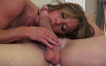 Busty mature mommy Farra Dahl pain in the neck licked and pussy fucked