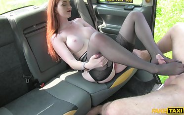 Superb redhead pushes the limits of her soaked cunt