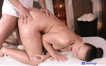 Massage grants this cute ass babe the think the world of of her life