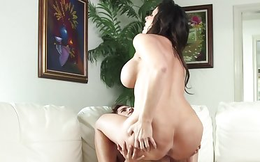 Luxurious MILF shares bodily experience with shy stepson