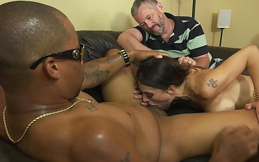 In front MILF blacked in front of her powerless retrench