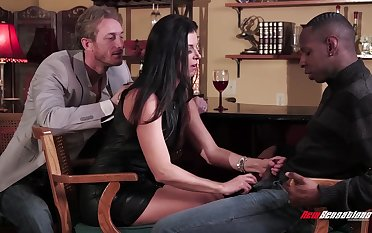 Horny white woman India Summer goes black in stance of her cut corners