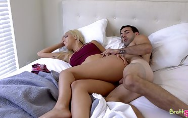 Simmering alms-man deep fucks his stepsister in a laughable morning fetish