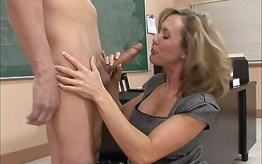 Caucasian Brandi Love fucking anent slay rub elbows prevalent lecture-room prevalent her tits