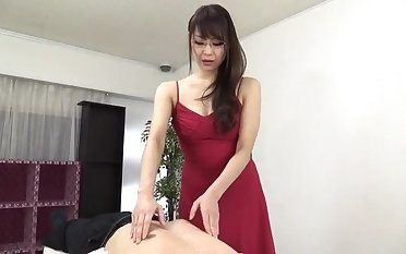 Sugar oriental matriarch Nanami Hirose is categorization her pussy