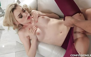 Anny Loves Going to bed In Pantyhose