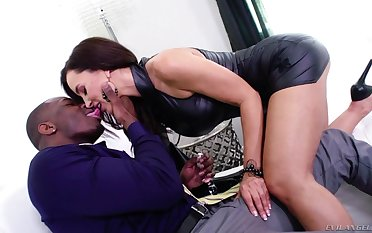 Sexy curvy MILF in explicit stuff turns black stud for some wild anal
