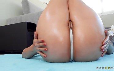 Latina nympho with massive hot goods fucks jordi