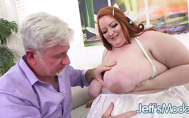 Enormous Redhead Eliza Beseech Gets a Belly Jiggling Dickdown