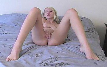 Amateur blonde masturbating
