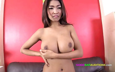 HUGE Tits Casting Couch