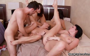 4 girls gangbang 1 lucky guy