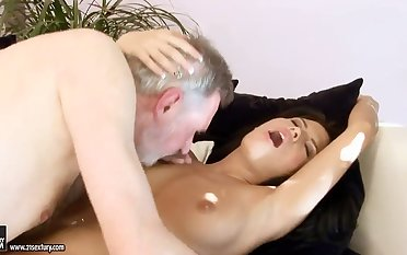 Hot ass babe Amabella pleasures filthy grandpa