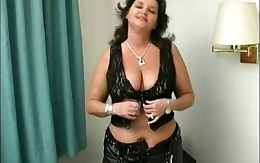Not ever query the power of big boobs and this voluptuous lady gives good head