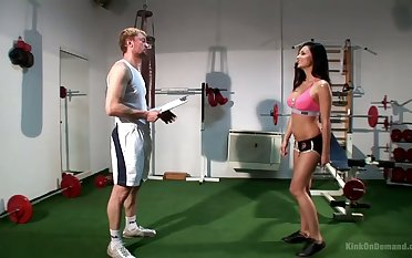 Sporty boxer with low-spirited curves Aletta Ocean gives such a organism blowjob