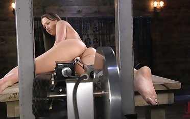 Leggy brunet babe Cheyenne Jewel is testing new having it away machine