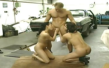 Vintage italian 3some anal