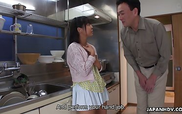 Enterprising Tomoyo Isumi is Japanese blowlerina who stands on knees to give BJ