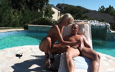Blonde beauty gets laid by hammer away pool helter-skelter seductive scenes