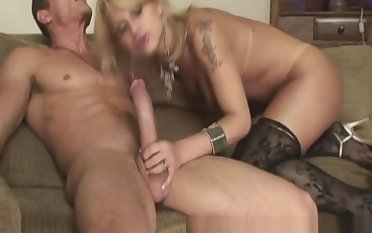 Barebacked lady-twink Having arse stab With