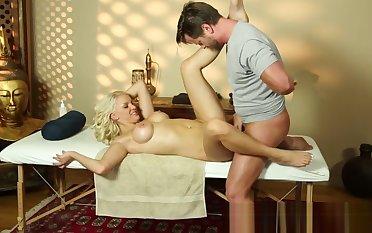 Oiledup massage babe gets pounded